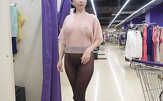 Shopping for unambiguous clothing..