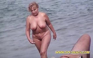 Barren Beach Voyeur Amateur Babes Public Spy Beach Video