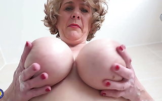 British mom with perfect heavy boobs